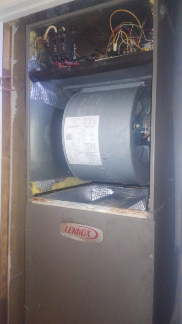 Opelousas, LA - Did heating tune up on Lennox system and repair Ed blower unit.