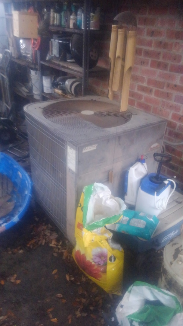 Eunice, LA - Did heating and cooling tune up on Lennox system and replace filter.