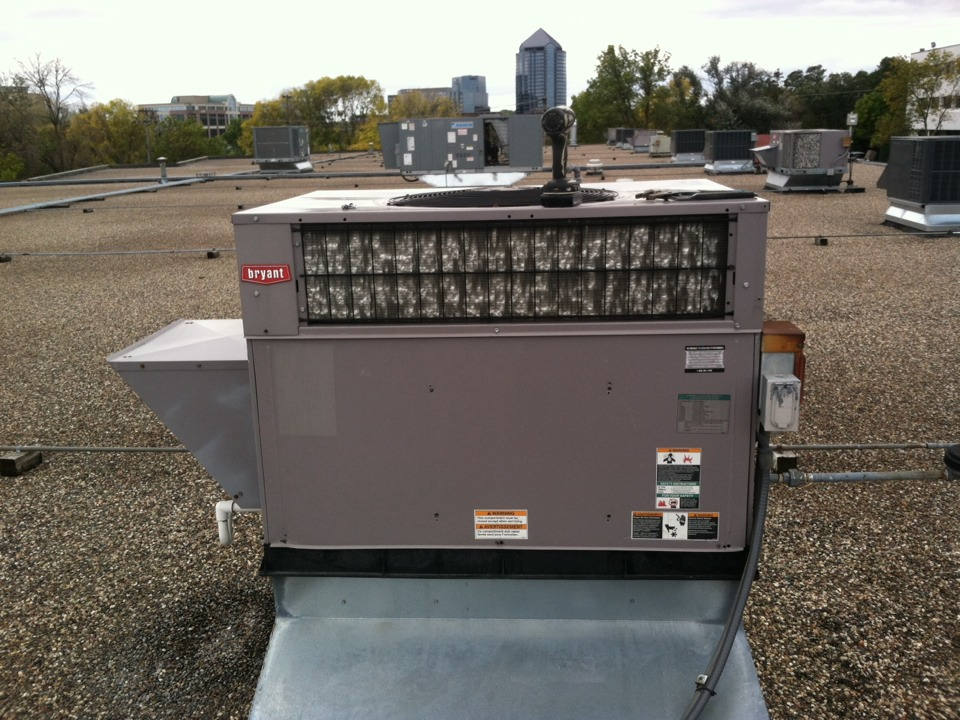 Edina, MN - Heating repair call on a Carrier rooftop unit.
