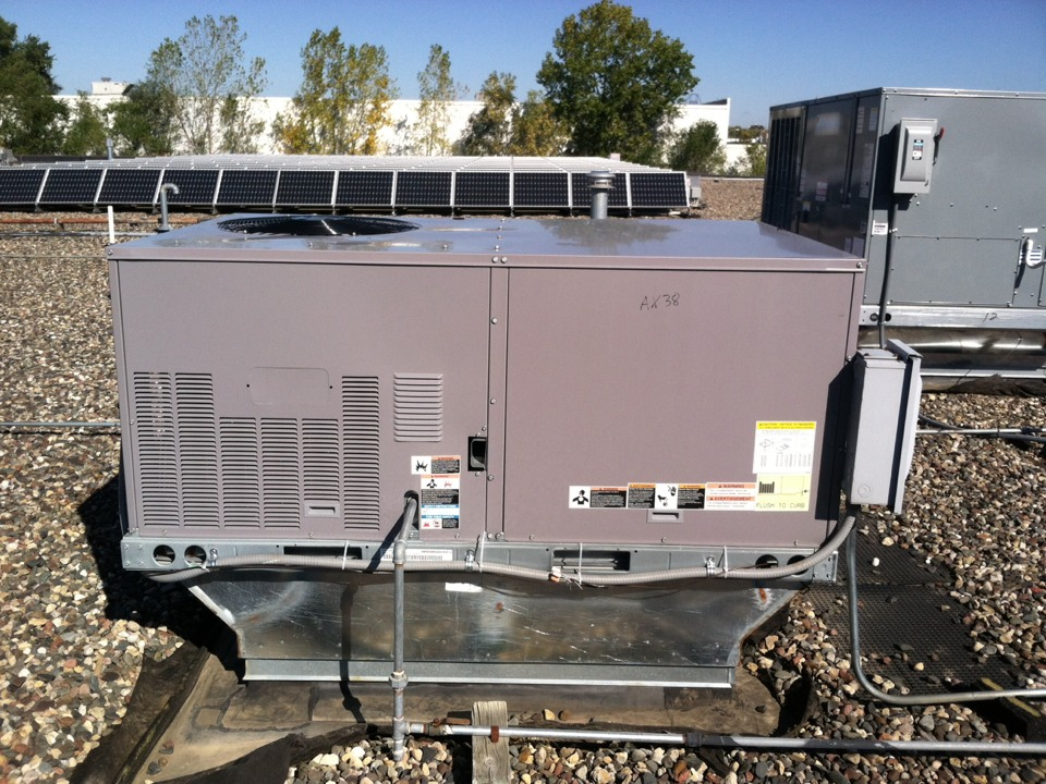 Bloomington, MN - Heating service call on a Carrier rooftop unit