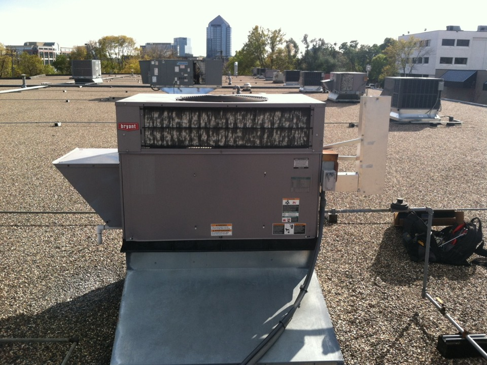 Edina, MN - Heating service on a Bryant rooftop unit