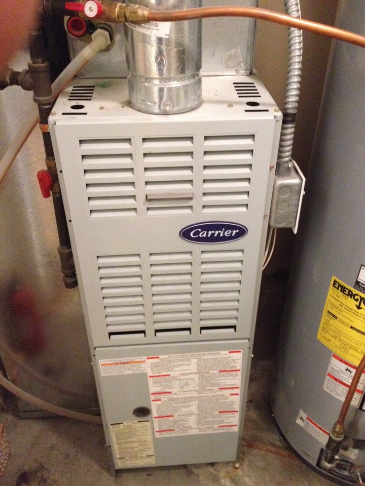 Maple Grove, MN - Tune up on a Carrier furnace, replaced blower starter.