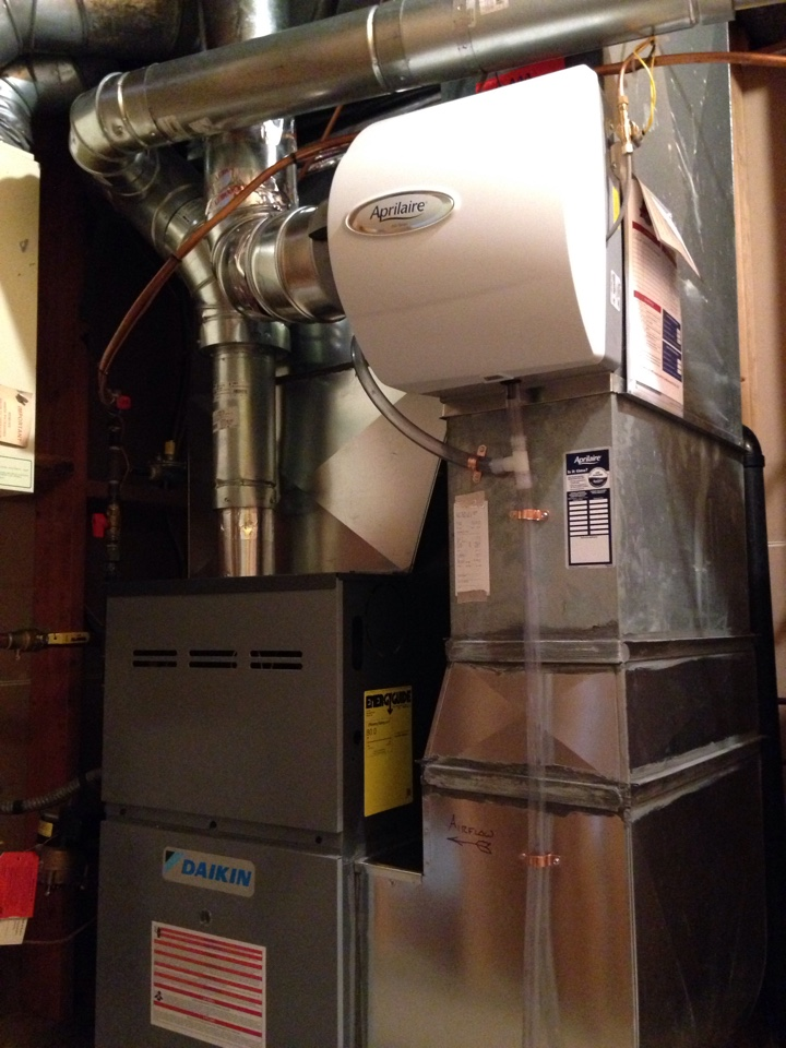 Mendota Heights, MN - Installed new Daikin furnace and AprilAire humidifier.