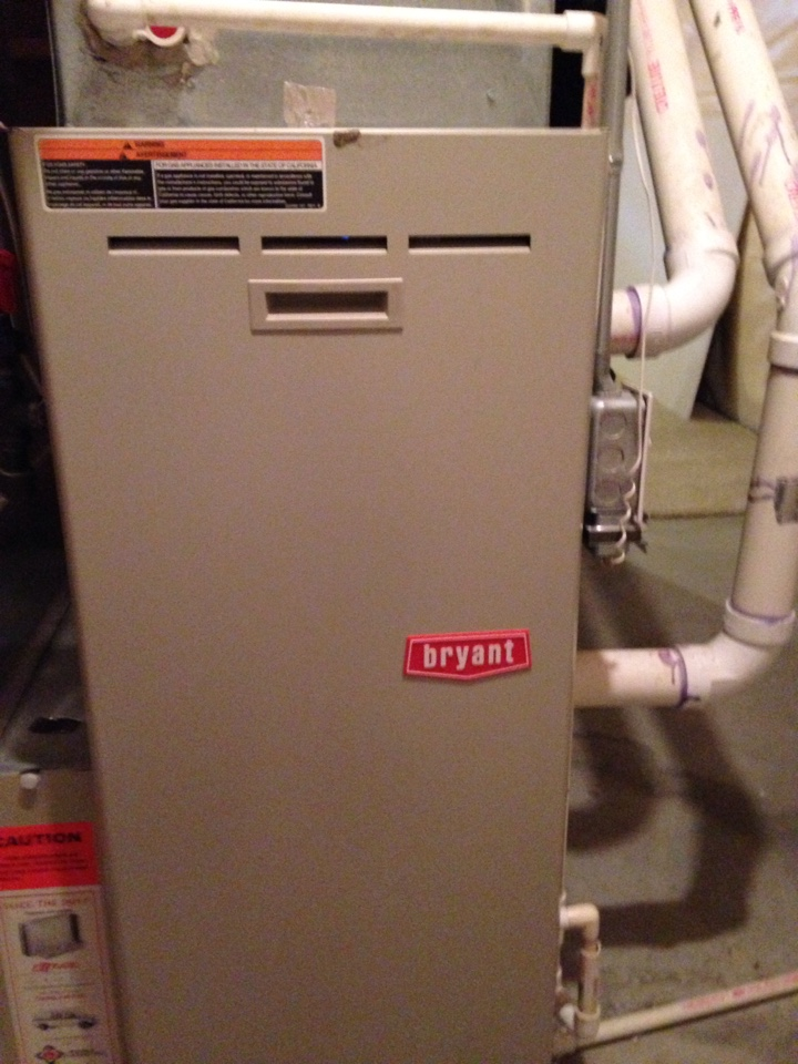 Victoria, MN - Tune up on a Bryant furnace.