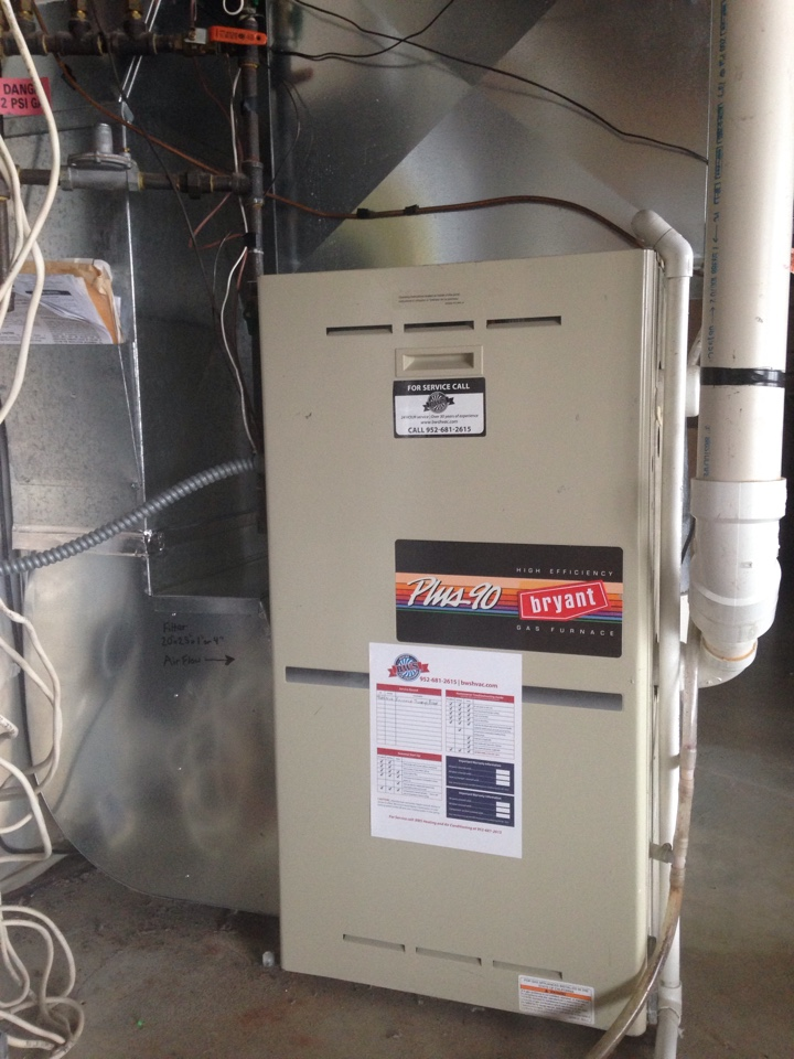 Shakopee, MN - Tuneup on a 90% efficient Bryant furnace.