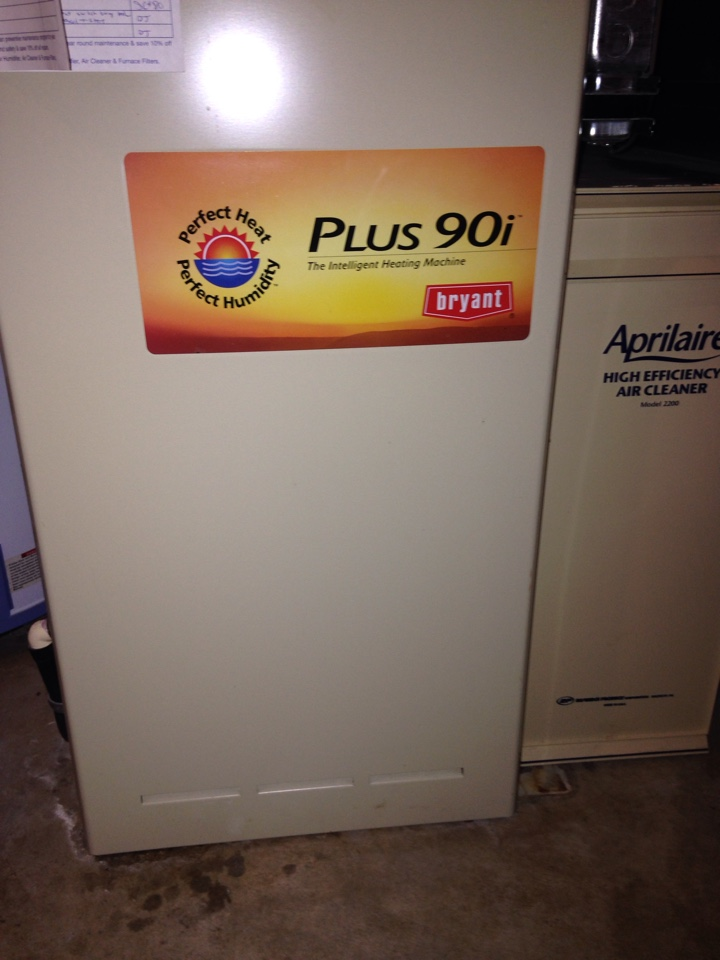 Shoreview, MN - Tune up on a Bryant furnace.