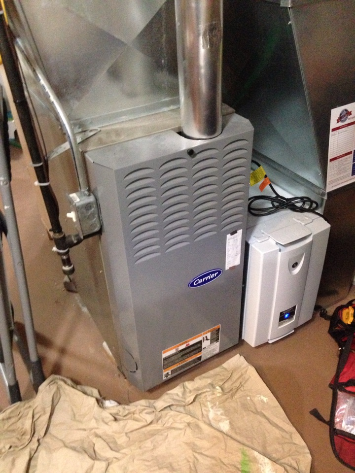 Shoreview, MN - Heating tuneup on a carrier 80% efficient furnace.