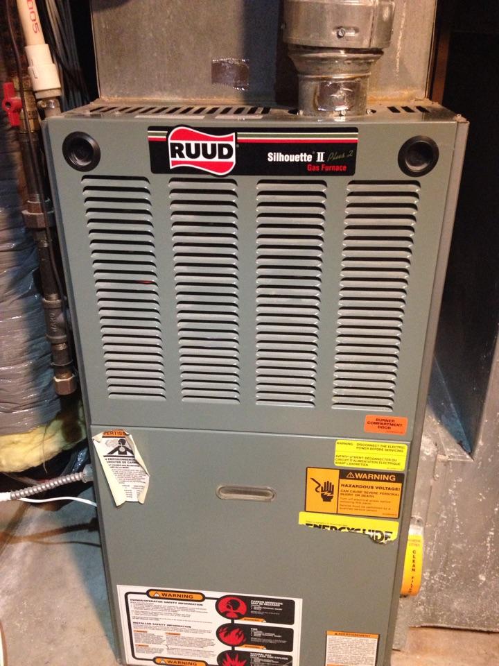 Eagan, MN - Maintenance on a Ruud furnace.
