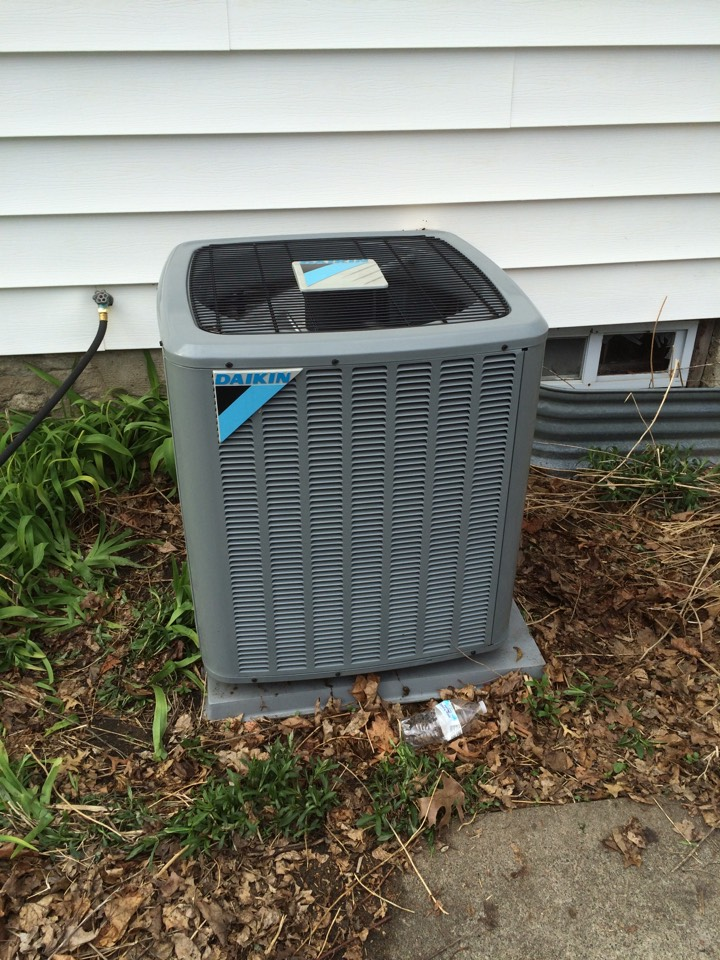 Hopkins, MN - 16 seer daiken r410a Ac spring maintenance tune up
