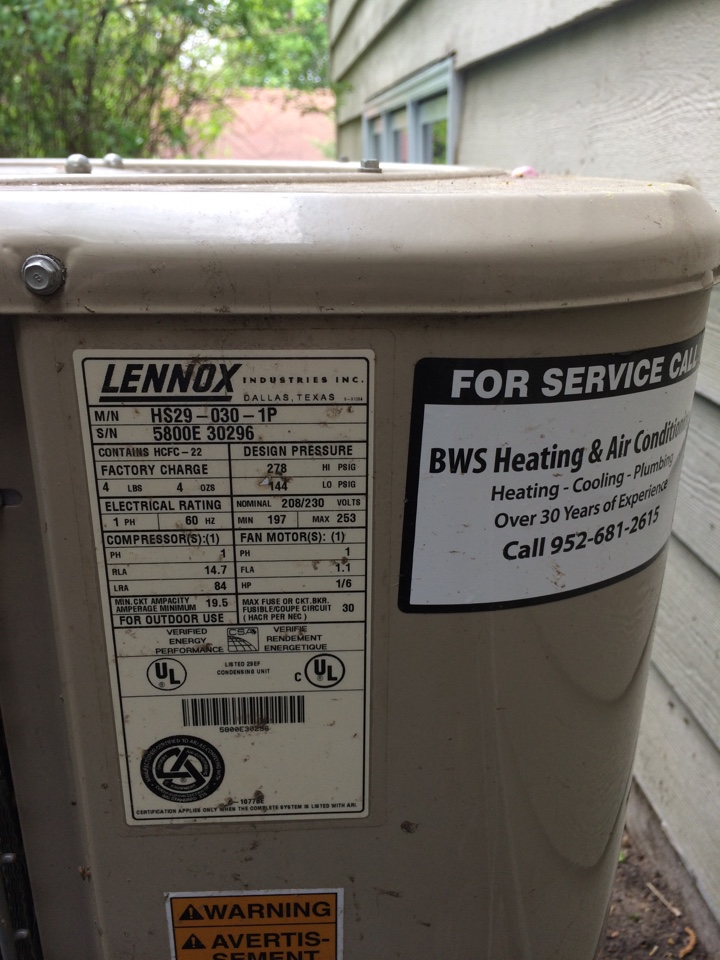 Victoria, MN - Charging Lennox hs29 r22 air conditioner with refrigerant to proper subcool levels. replaced dual starter on Ac and Aprilaire furnace and humidifier filters inside