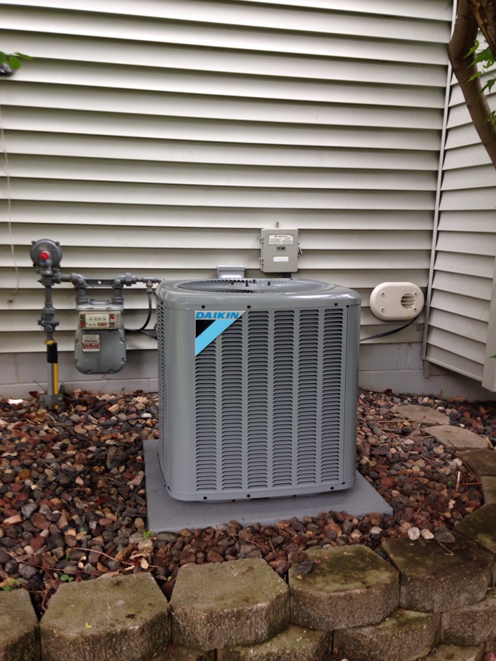Woodbury, MN - New Daikin AC and Honeywell WiFi 6000 Thermostat