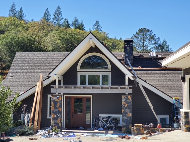 Sonoma, CA - High end Gaf Glenwood shingle roof on luxury house in Sonoma.