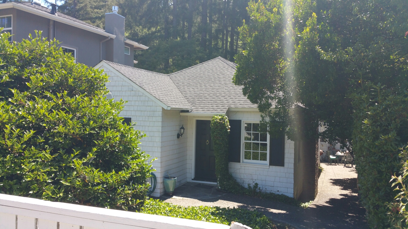 Mill Valley, CA - We installed a GAF HD Timberline roof system in charcoal on this beautiful bungalow home in Mill Valley