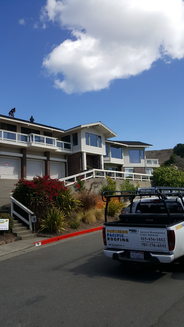 Tiburon, CA - New Presidental TL Certainteed Roof in Autum Blend