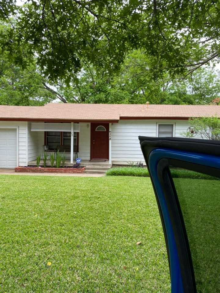 Hurst, TX - This is a three tab roof and this is a little ranch house that is being sold and we're going to take a look and see how the roof looks