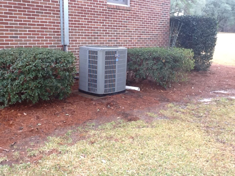 Tallahassee, FL - Preformed maintenance on a American Standard airconditioner in Tallahassee Florida by Bensons HVAC