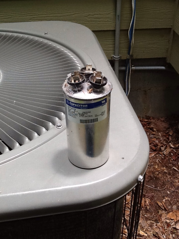 Bainbridge, GA - Replaced a bad capacitor on a Lennox air conditioning system