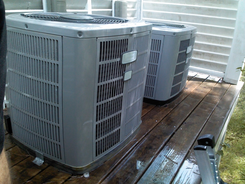 Eastpoint, FL - Just completed first time maintenance visit on these two American Standard Heat Pump Systems