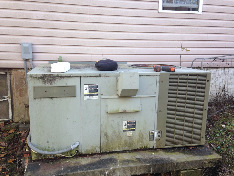 Loretto, TN - Replaced high limit switch on a Trane duel fuel.