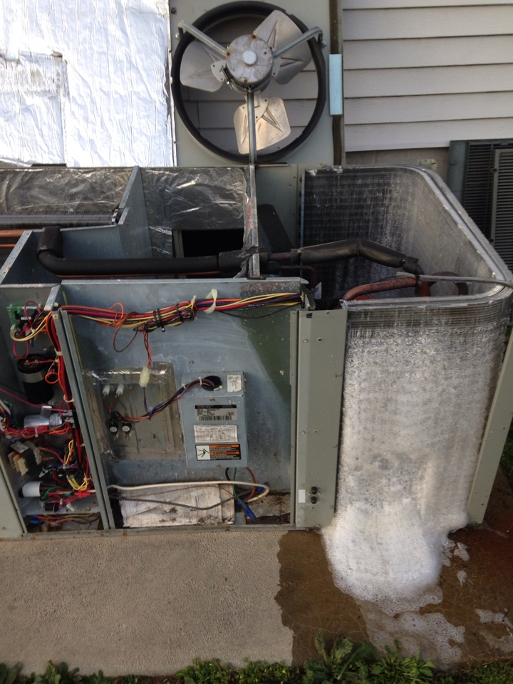 Anderson, AL - Heating maintenance, tune up on Trane package heat pump