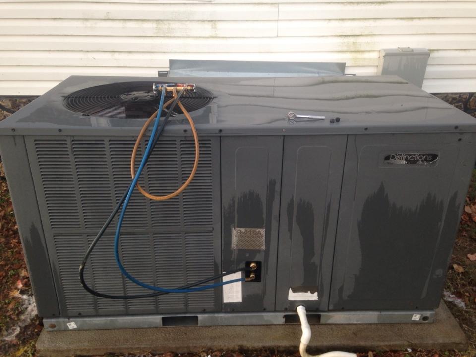 Hillsboro, AL - Performed heating maintenance on Amana package heat pump
