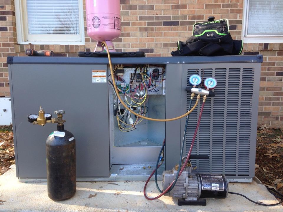 Mount Hope, AL - Replacing outdoor TXV on Lennox package heat pump.