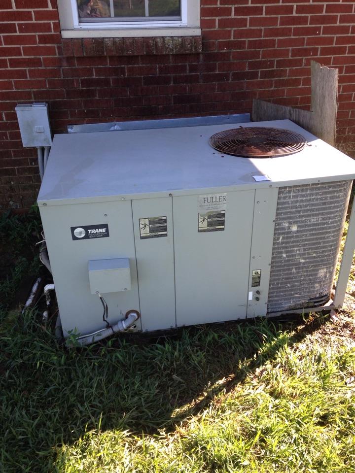 Rogersville, AL - Perform tune up on trane package heat pump