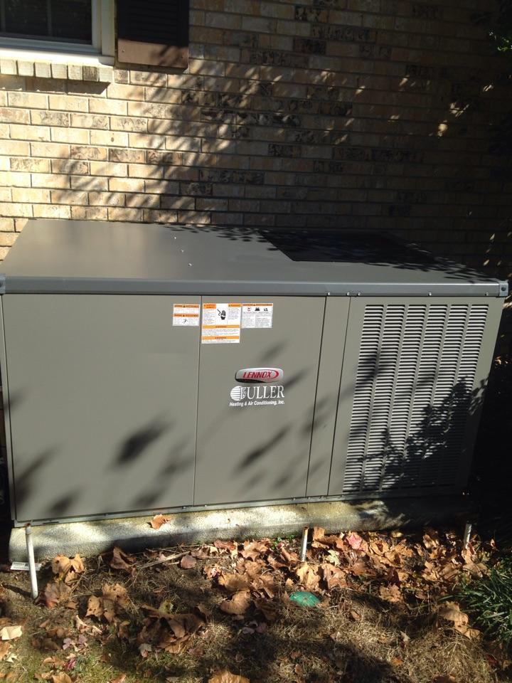 Lexington, AL - Fall maintenance on a Lennox package heat pump.