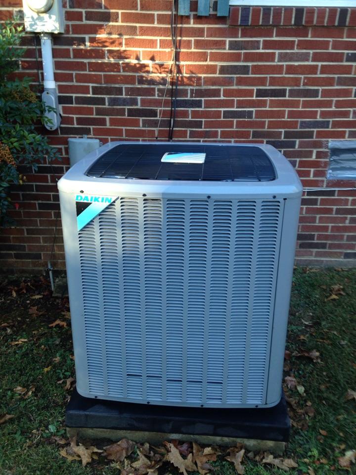 Lexington, AL - Fall maintenance on a Daikin split heat pump.