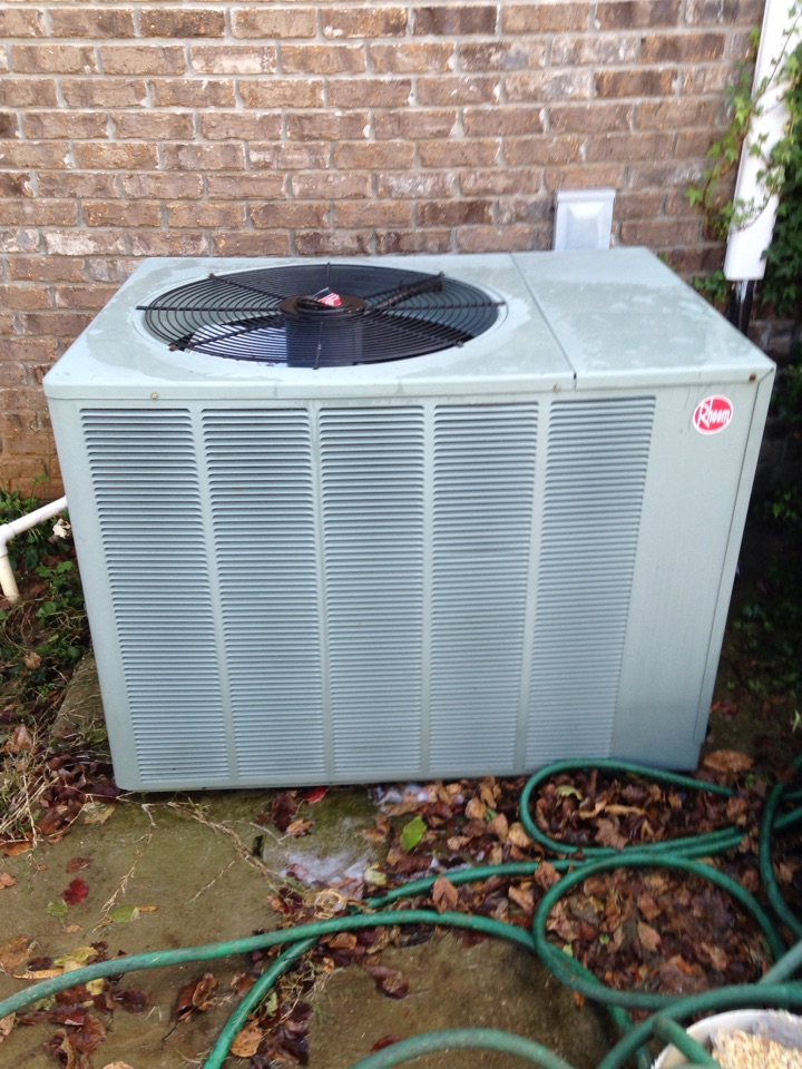 Decatur, AL - Fall maintenance on rheem split heat pump.