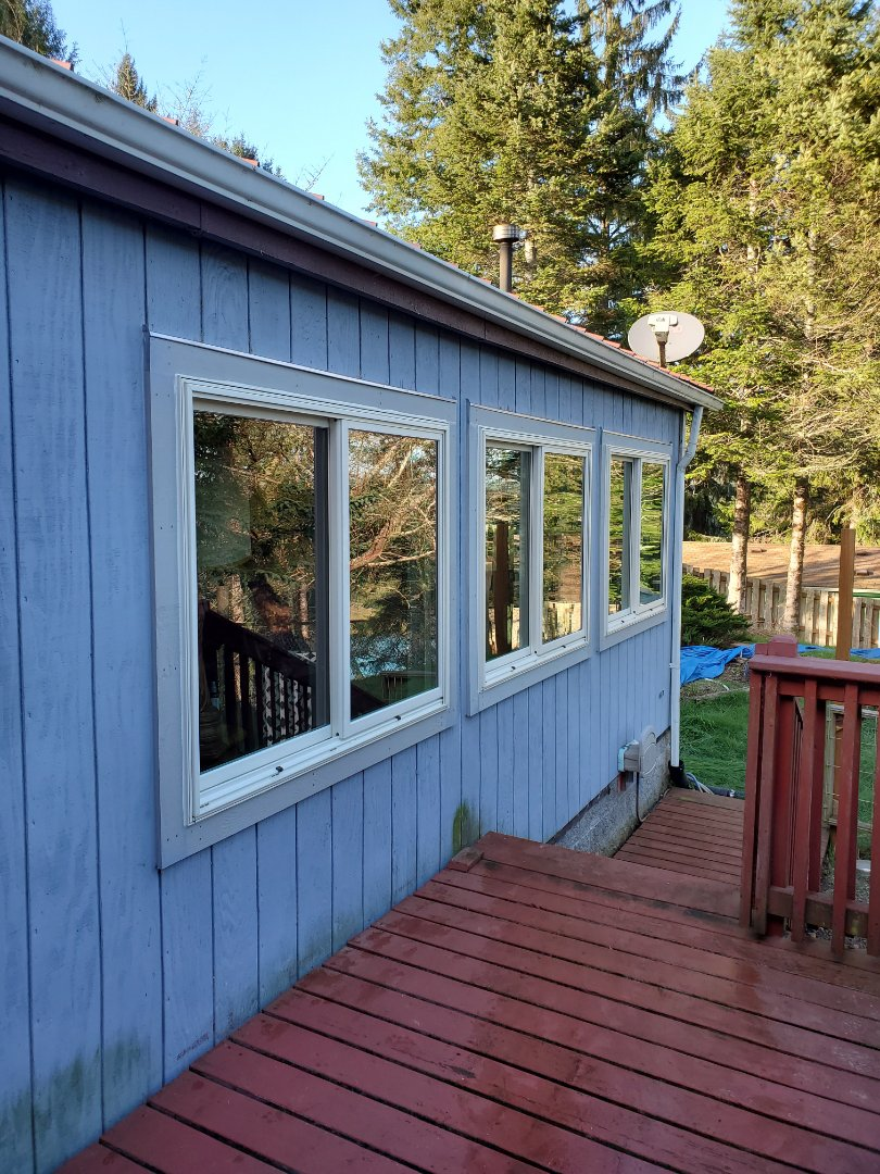 Toledo, OR - We did 13 window installation in this beautiful home.