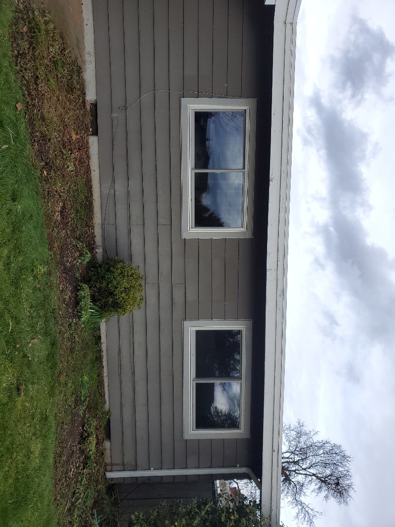 Hillsboro, OR - We installed 10 windows for customer with our awesome crew