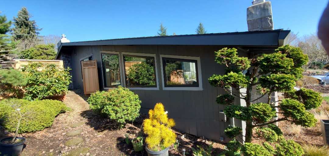 Portland, OR - We installed 1door and 9 windows. This wery nice house