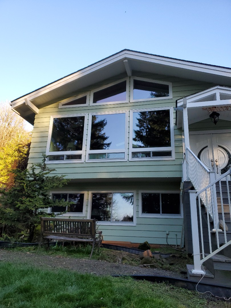 Longview, WA - Specialty windows and doors at this beautiful house in Longview wa