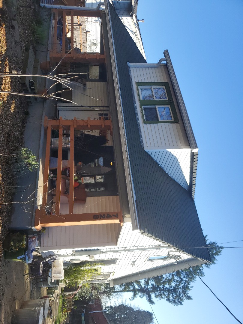 Portland, OR - We installed some windows for customer in portland with our awesome crew.