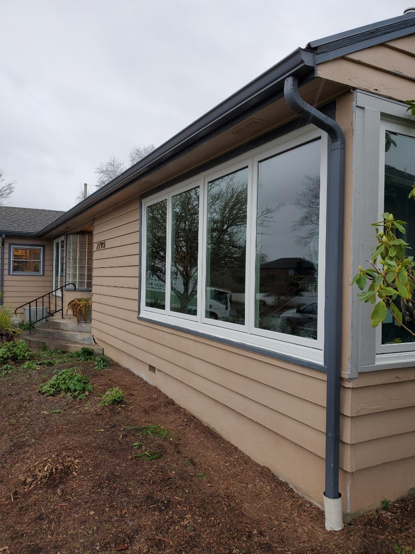 Salem, OR - We installed 4 windows installation in this beautiful home.