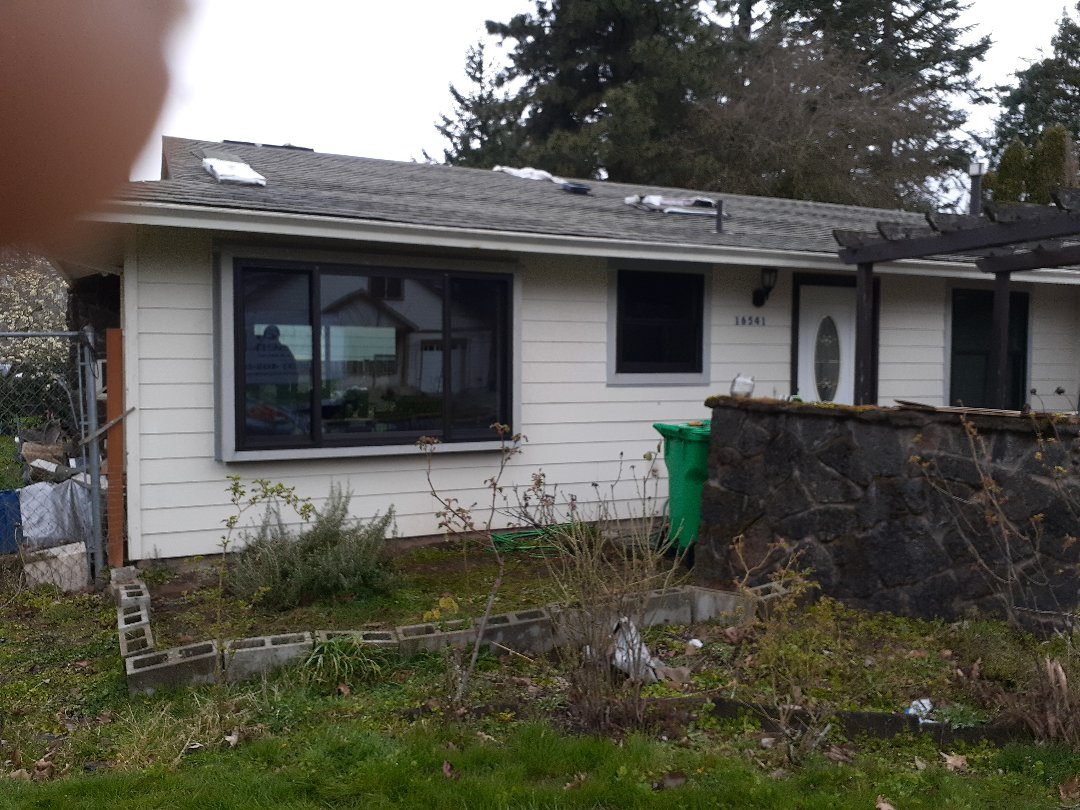 Clackamas, OR - Just finished replacing windows and doors on this SE home.