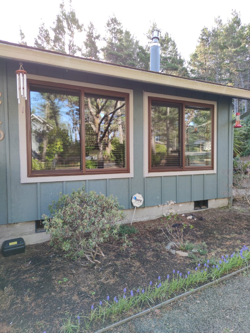 Lincoln City, OR - We installed 13 window installation in this beautiful home