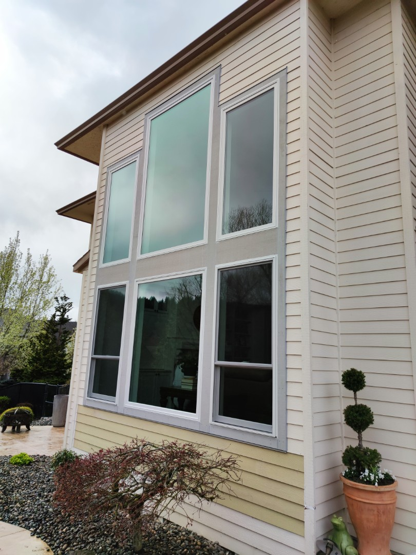 Happy Valley, OR - We did 18 window installation in this beautiful home