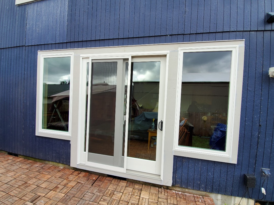 Oregon City, OR - Ranuil by Anderson install windows and patio door In Oregon City area