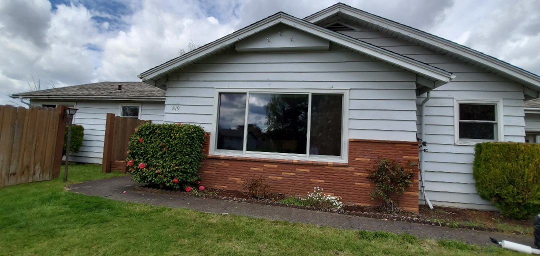 Keizer, OR - We installed 12 windows and Patio door for this amazing home in Keizer