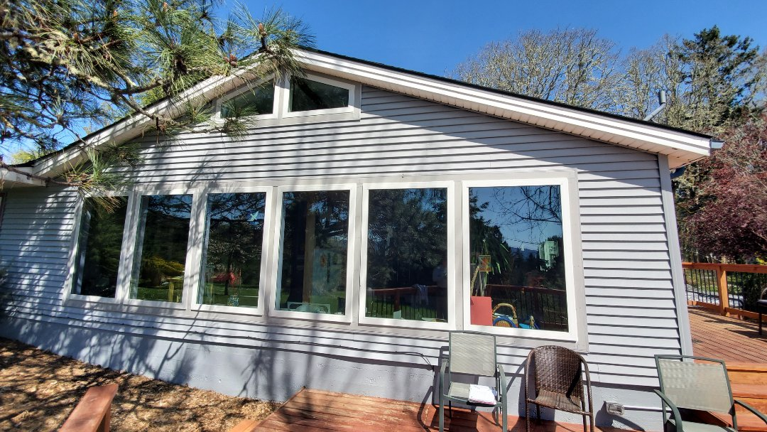 Yamhill, OR - Installed trapezoid windows for customer in Yamhill OR