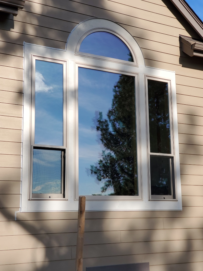 Bend, OR -   Install windows in band area