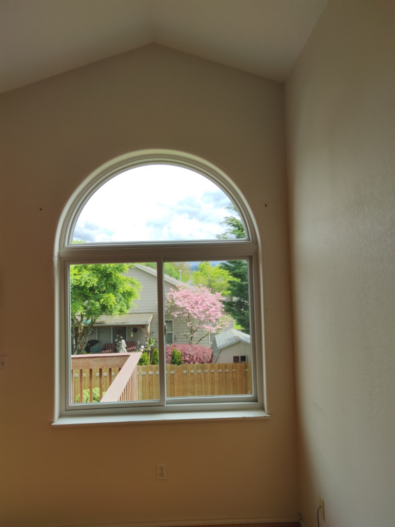 Troutdale, OR - We did 2 window installation in this beautiful home