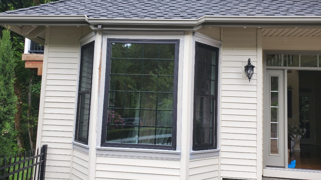 Lake Oswego, OR - Installed windows for customer in lake oswego OR. With specialty trim.