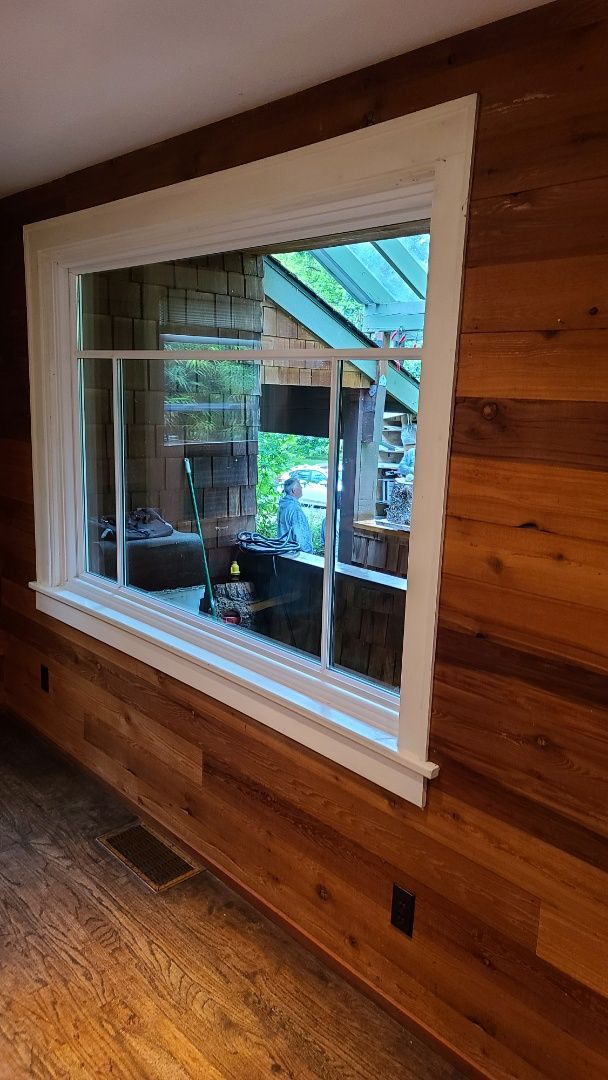 Eugene, OR - We did 2 windows installation in this beautiful home
