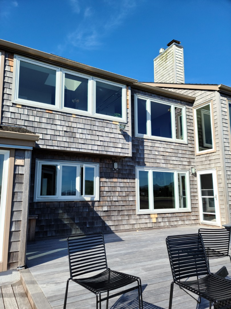 Seaside, OR - We did 12 windows installation in this beautiful home