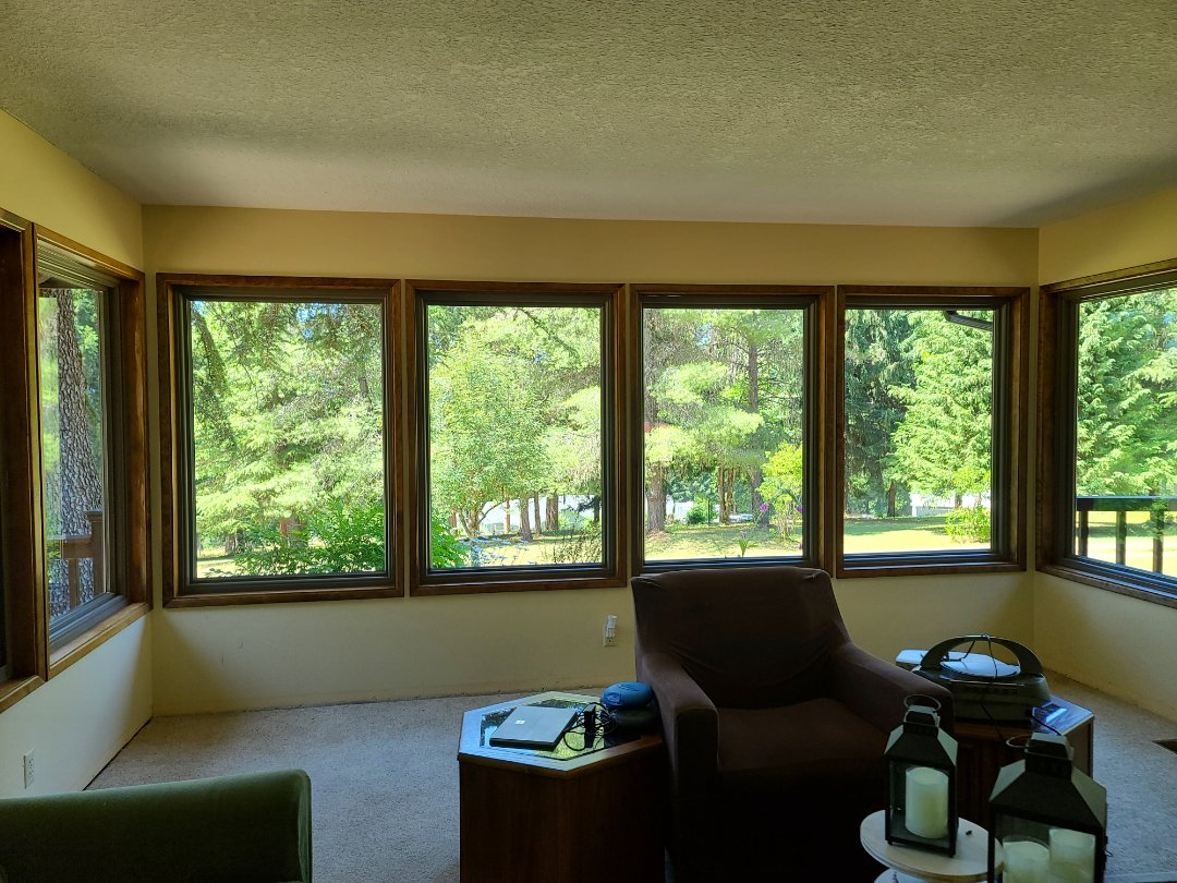 Oakridge, OR - We did 12 windows and 4 doors installation in this beautiful home