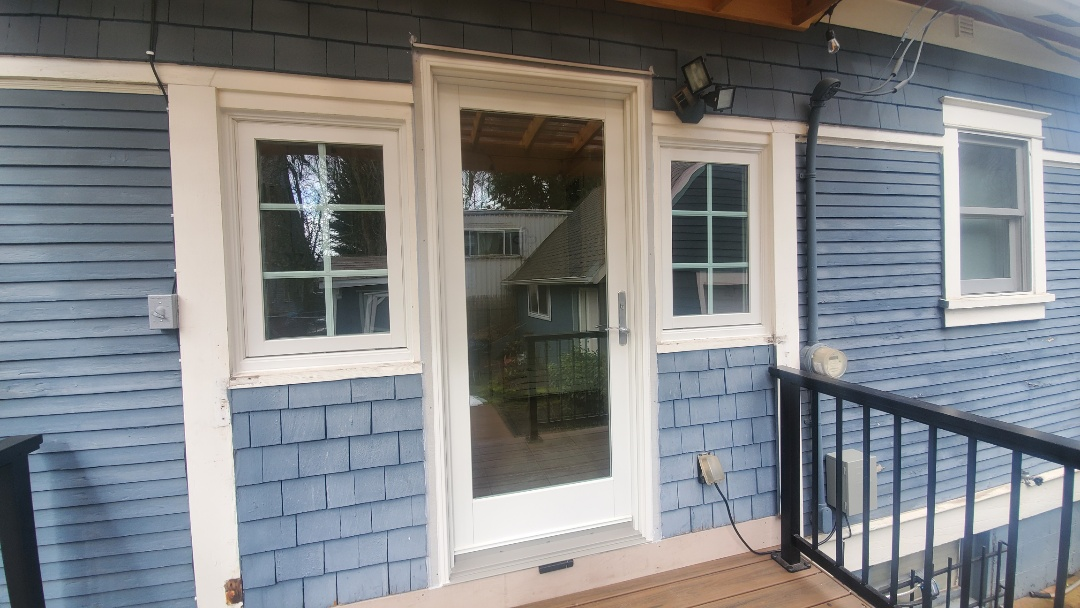 Portland, OR - Installed windows and door for customer in Portland