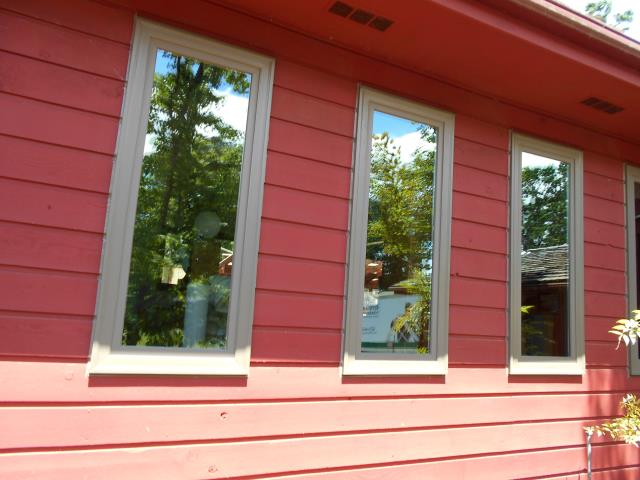 Corvallis, OR - Replaced 25 aluminum windows and one patio door with 25 S1 single color Terratone windows with Stone hardware and one PS 2 panel door in Terratone with Yuma Satin Nickel hardware